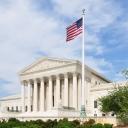 Здание Верховного суда США является местом заседаний Верховного суда США и расположено в городе Вашингтон, федеральный округ Колумбия, по адресу Первая улица, 1. Расположено на один квартал восточнее Капитолия